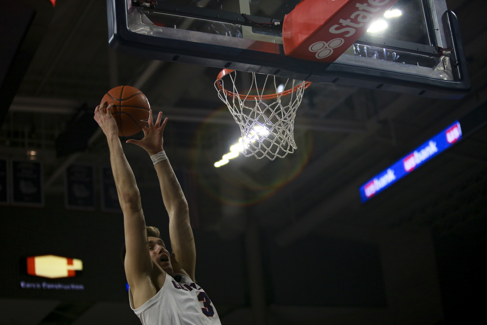 Zags stay at No. 2 in this week's AP Top 25, BYU moves to No. 23 - KXLY