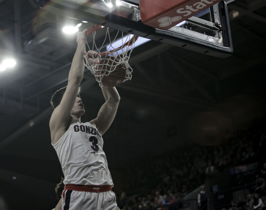 Gonzaga's Filip Petrusev slams home two of high 15 points against Pacific.