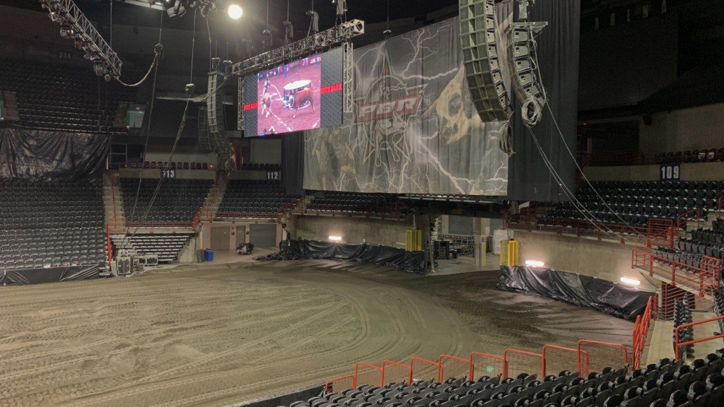 Spokane Arena transforms into a bull-riding ring