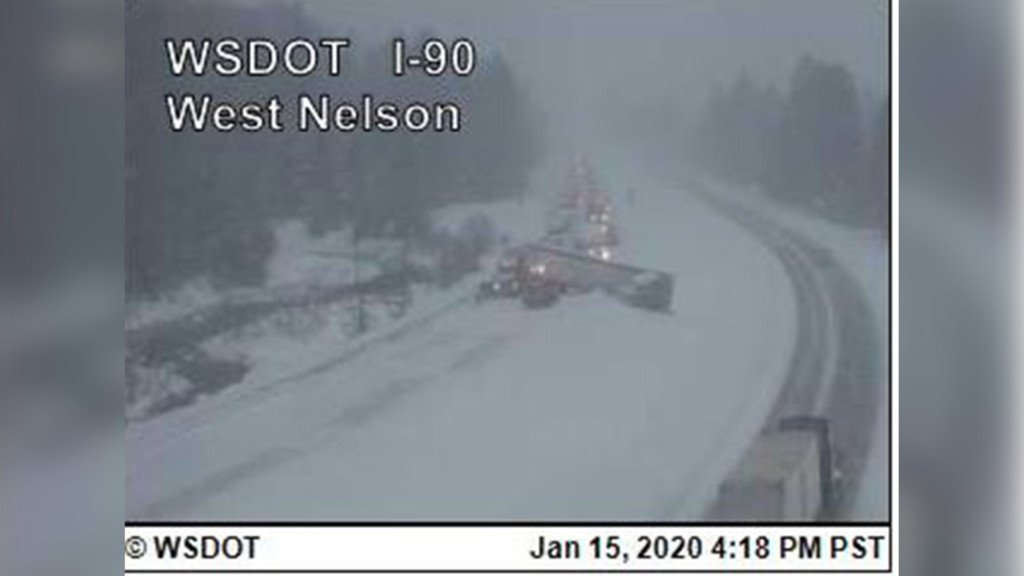 Jackknifed semi blocks lanes of I-90