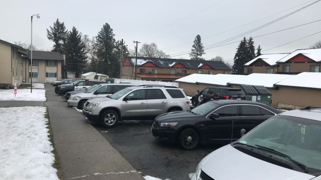 Spokane Police respond to shooting at Perry District apartment.