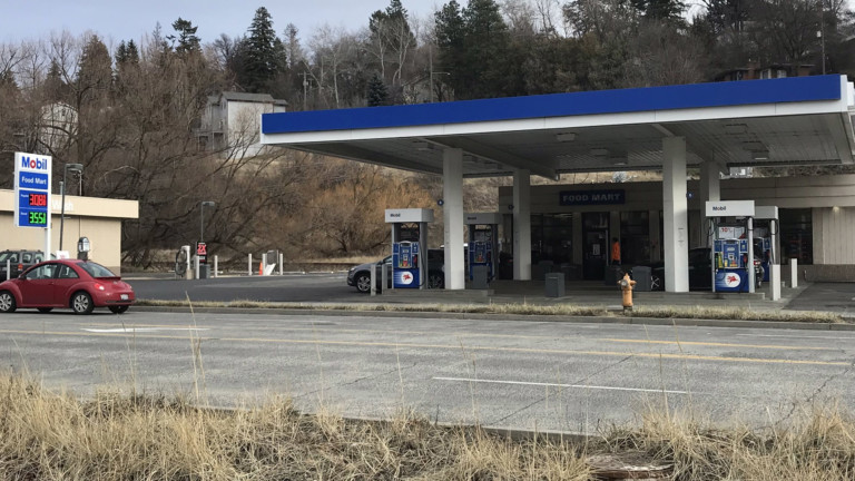 Gas station where a teen is accused of pulling a knife on another teen
