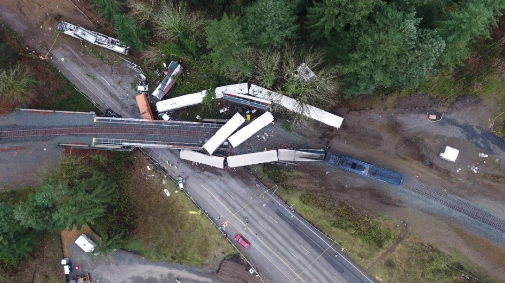 NTSB hears from witnesses on Washington state train wreck
