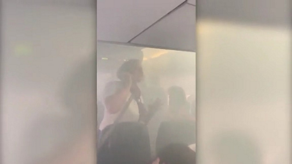 British Airways cabin fills with smoke during flight