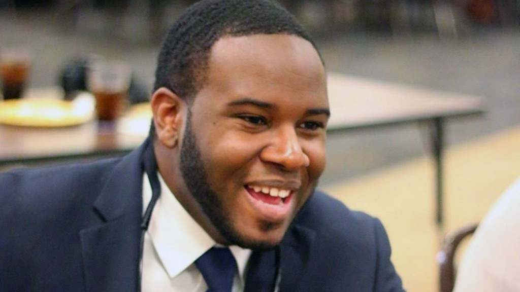 Hundreds pay respects to Botham Jean