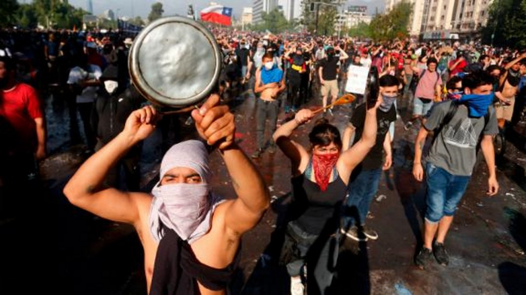 Chile extends curfew again as violent unrest grows