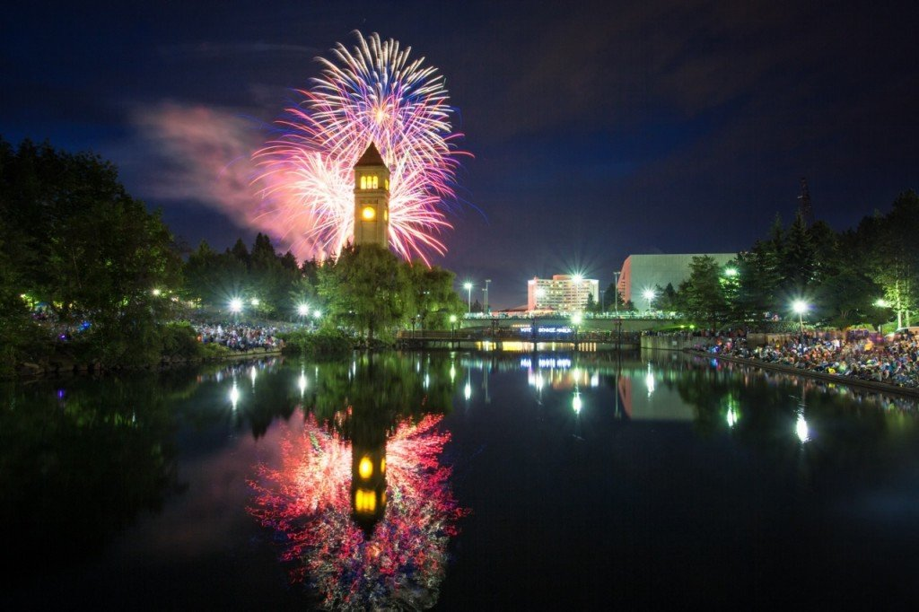 5 regional fireworks displays to attend this Fourth of July