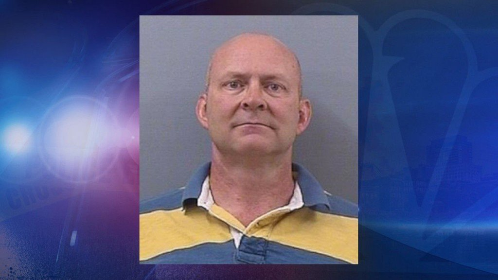 Middle school teacher arrested on sex charges