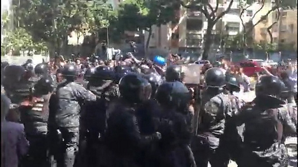 Bolivia crisis: Death toll rises, security forces overwhelm protesters