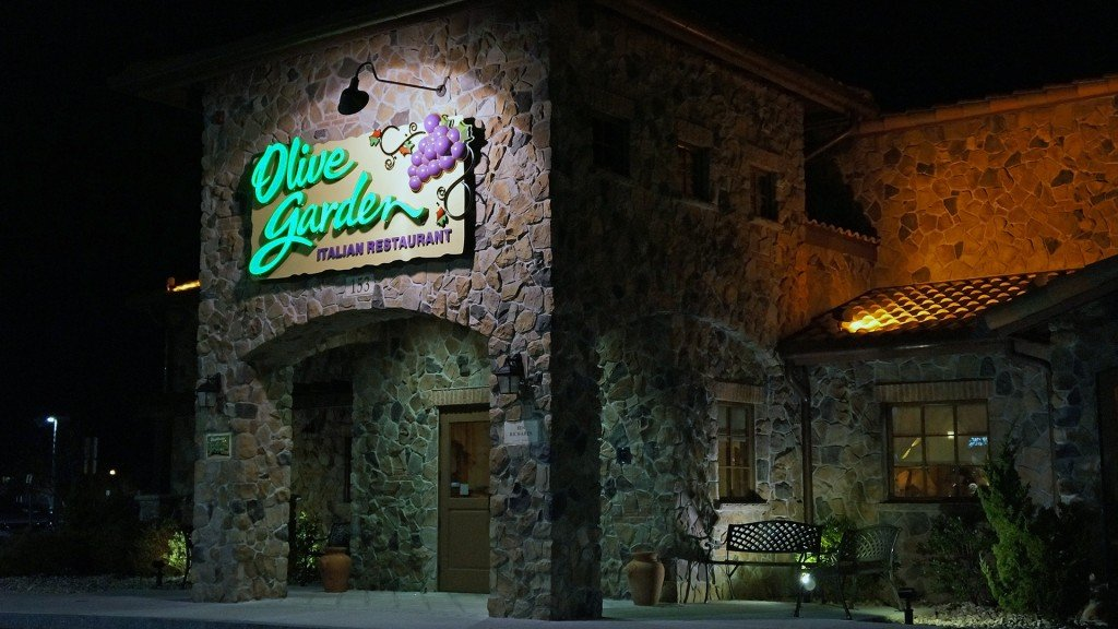 People really love eating at Olive Garden, same-store sales rise
