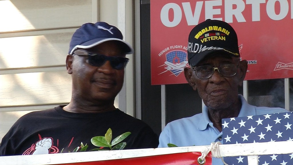Thieves drain entire bank account of America's oldest living veteran