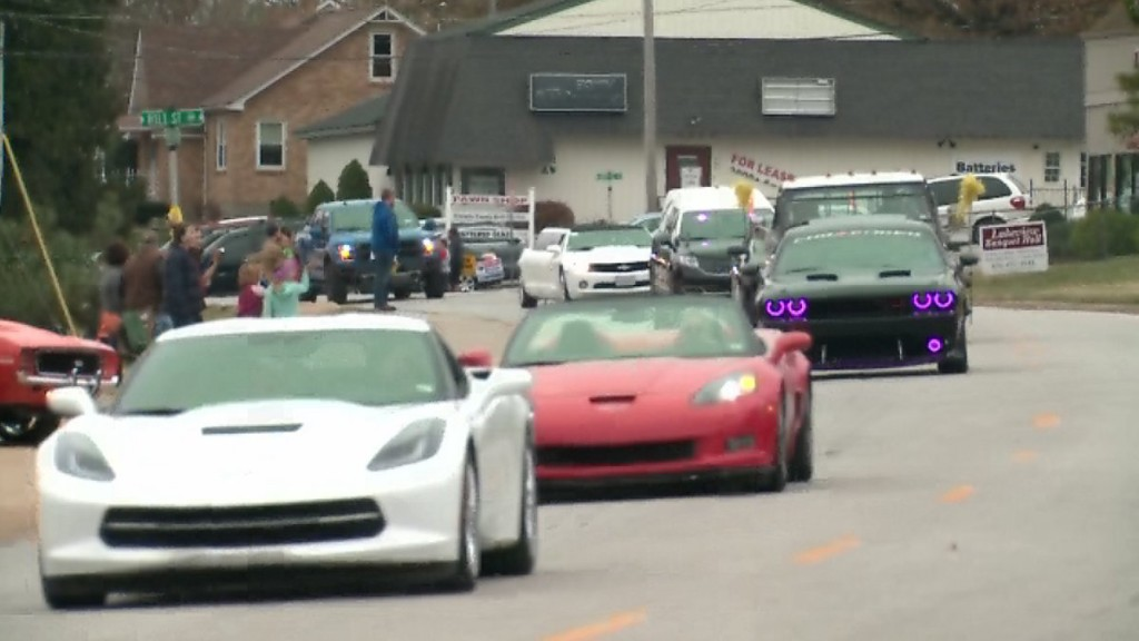 Thousands of cars lead procession for boy who died of cancer