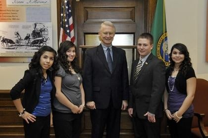 Frontier Middle School Students Visit State Capitol