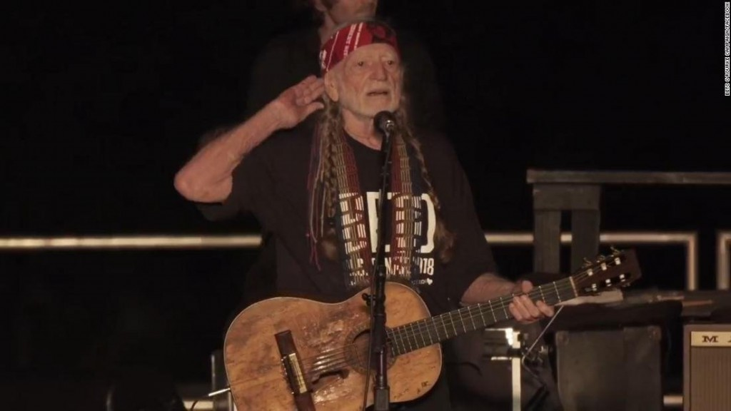 Willie Nelson sings new song, 'Vote 'Em Out,' at Beto O'Rourke rally