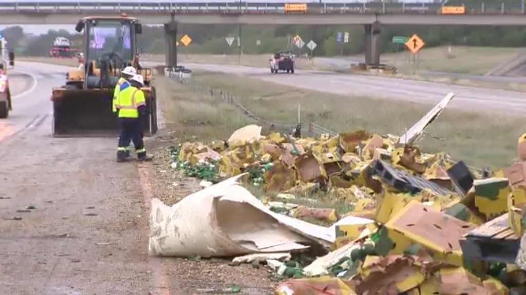 Thousands of avocados spilled on Texas highway