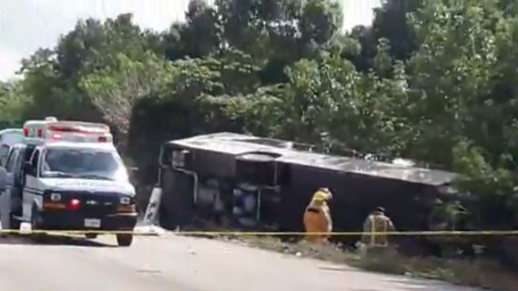 8 US citizens among 12 killed in bus crash in Mexico