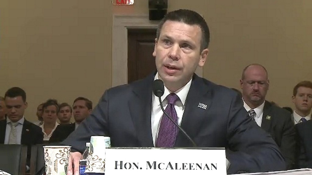 Homeland Security: McAleenan fights for control against hardliners