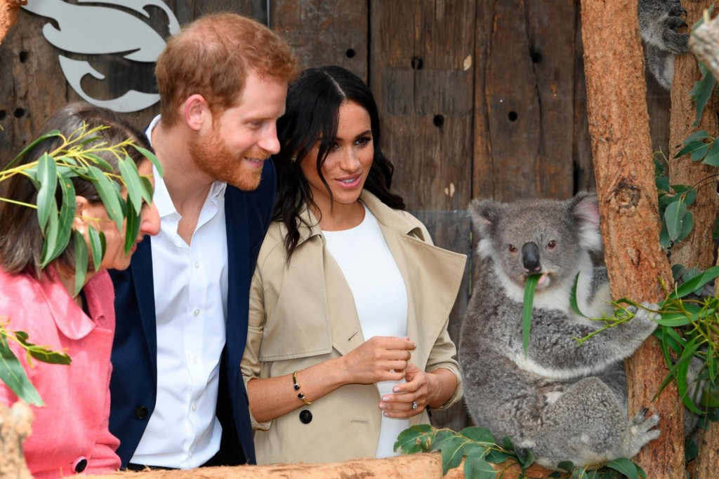 Parents-to-be Meghan and Harry kick off Australia tour with baby gifts