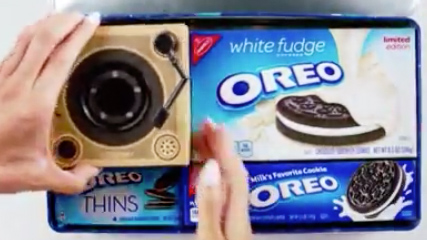 Tiny Oreo turntable plays music from cookie… kind of