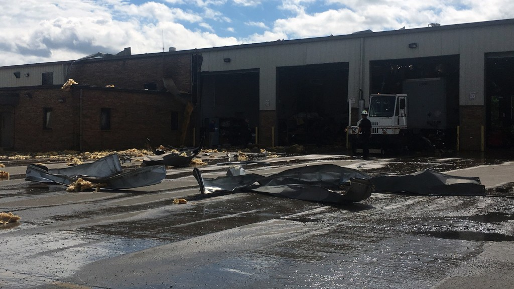 Explosion injures at least 2 people at Kentucky UPS facility