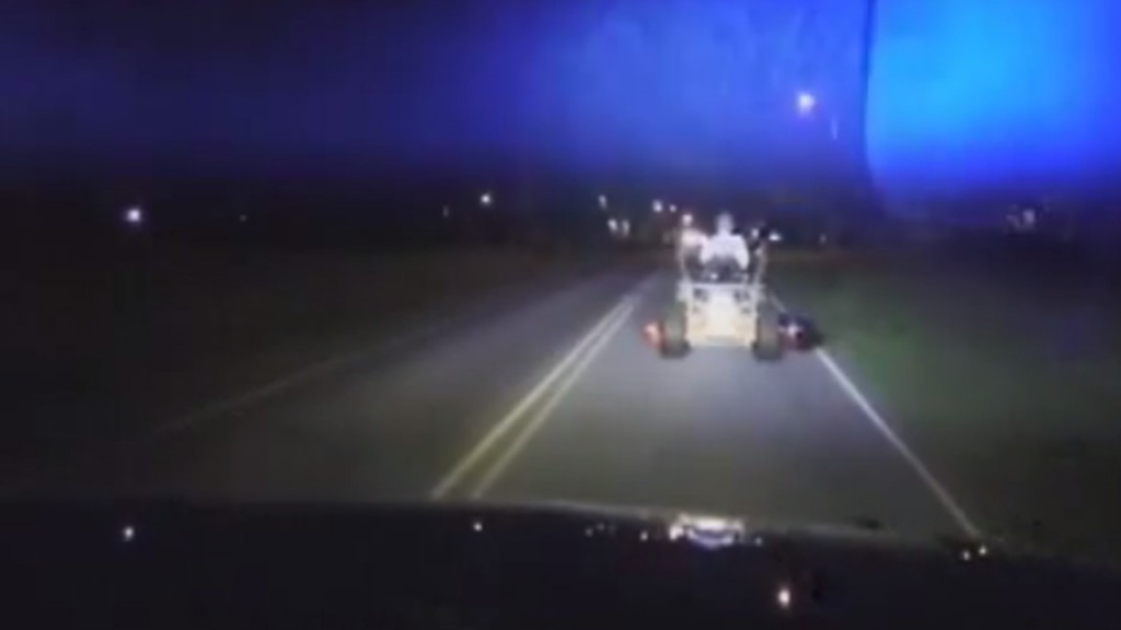 SC mayor pulled over on lawn mower with beer