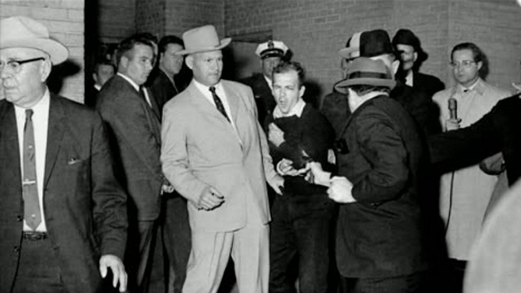 Detective who escorted Oswald when he was killed by Ruby has died