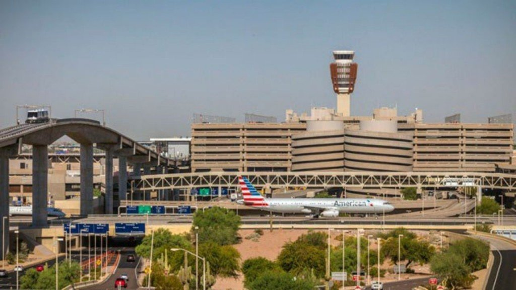 Checkpoints reopen at Phoenix Sky Harbor after suspicious item found