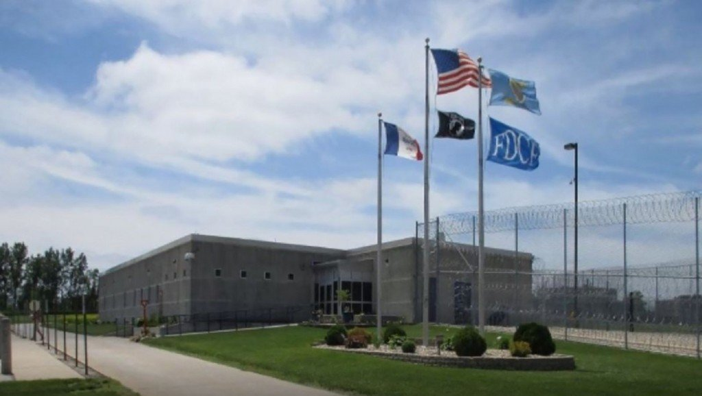 Iowa inmates sue to overturn ban on pornography