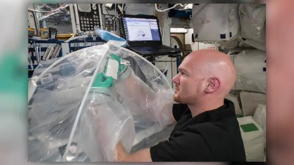 Astronauts make concrete in space for the first time