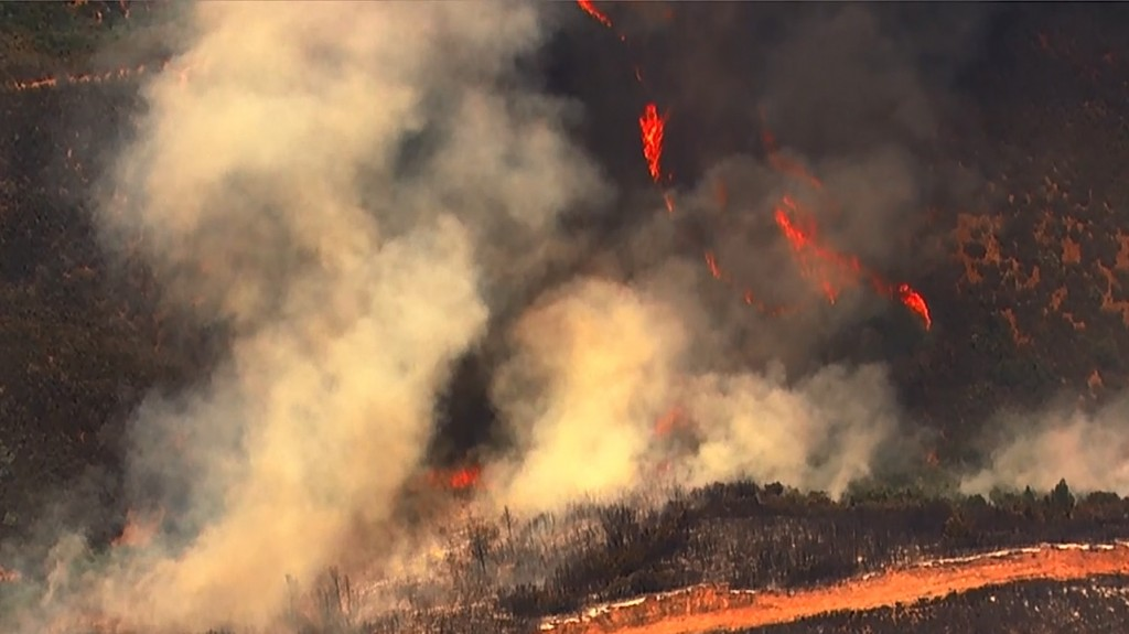 Calif. wildfires force thousands from their homes