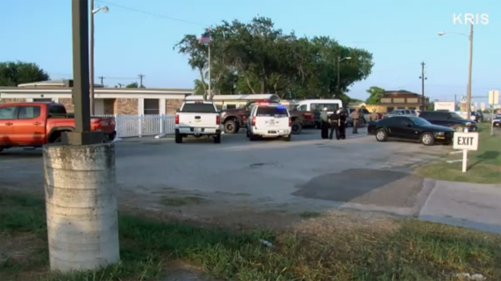 Police in Texas say 5 dead in possible murder-suicide