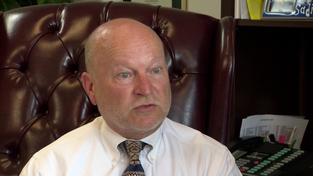 Judge rebuked after offering reduced jail time in exchange for vasectomies