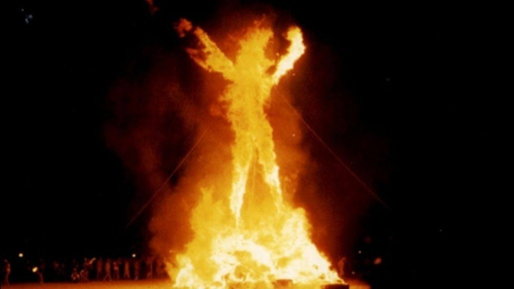 Burning Man fans in middle of Nevada desert with fire threat