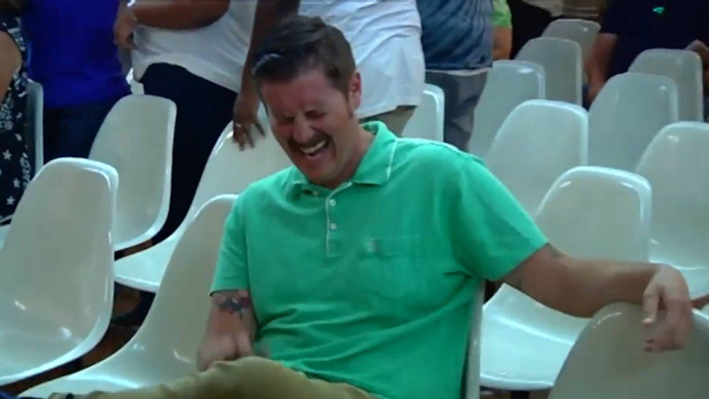 Why #GreenShirtGuy couldn't stop laughing