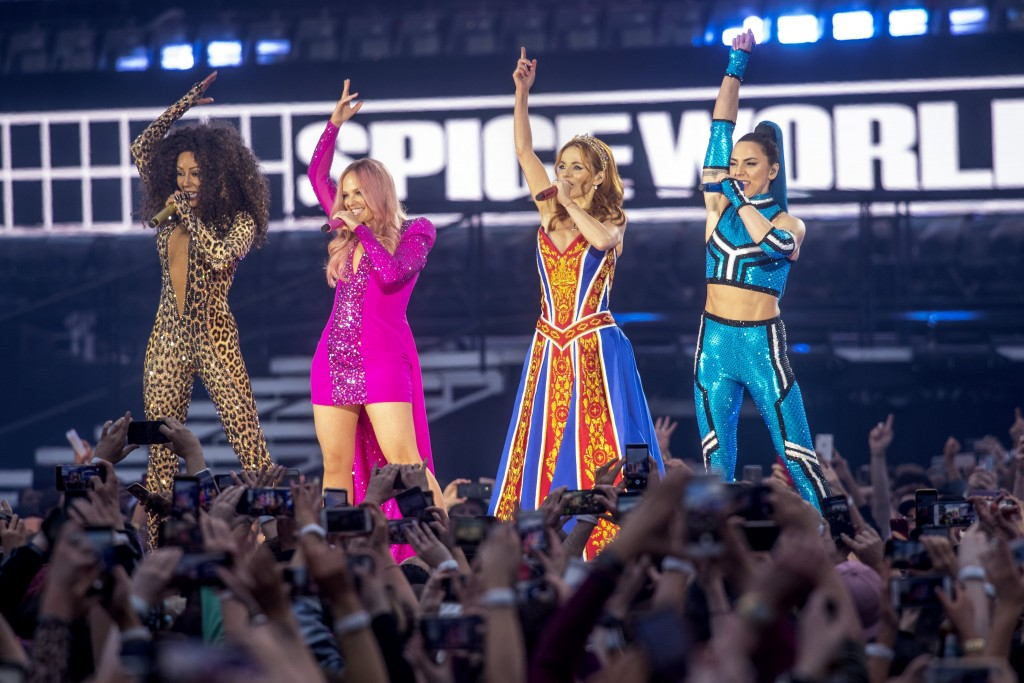 Spice Girls hint at possible Australian world tour