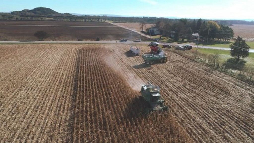 Wisconsin community comes together for farmer's final harvest