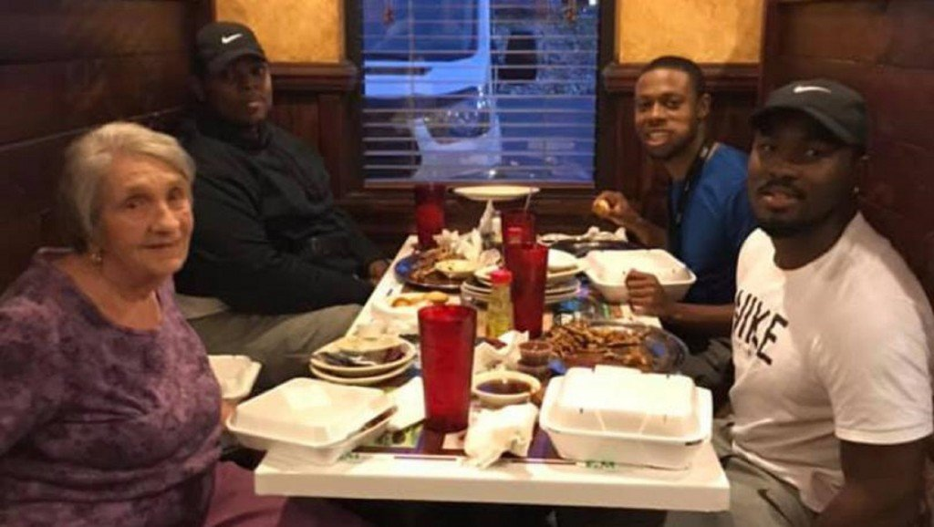 Alabama men share meal with widow eating alone