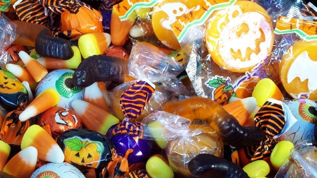 10 alternatives to Halloween candy