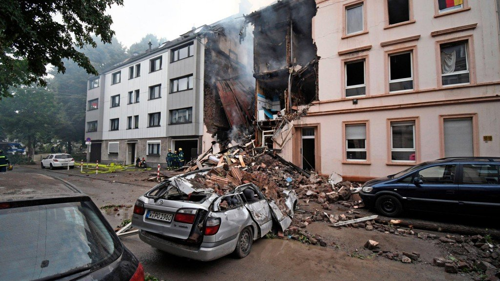 At least 5 injured in building explosion and fire in Germany