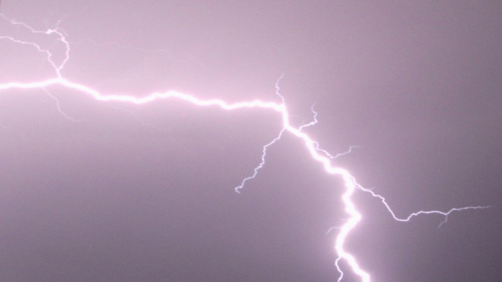 Motorcyclist killed by bolt of lightning in Florida