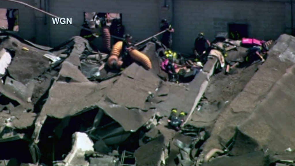 Chicago water plant collapses after explosion, injuring 10