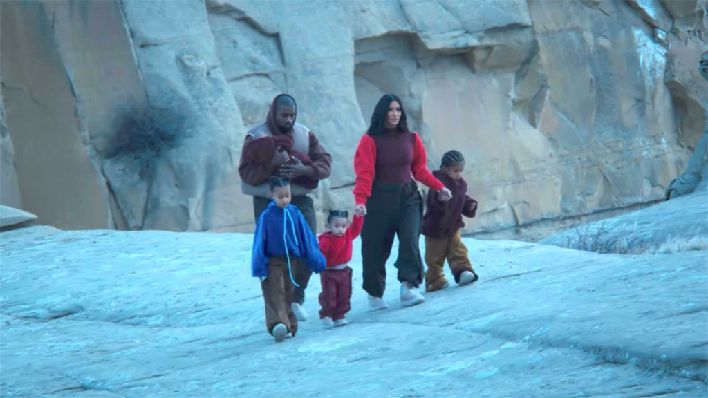 Kanye West's 'Closed on Sunday' music video a family affair