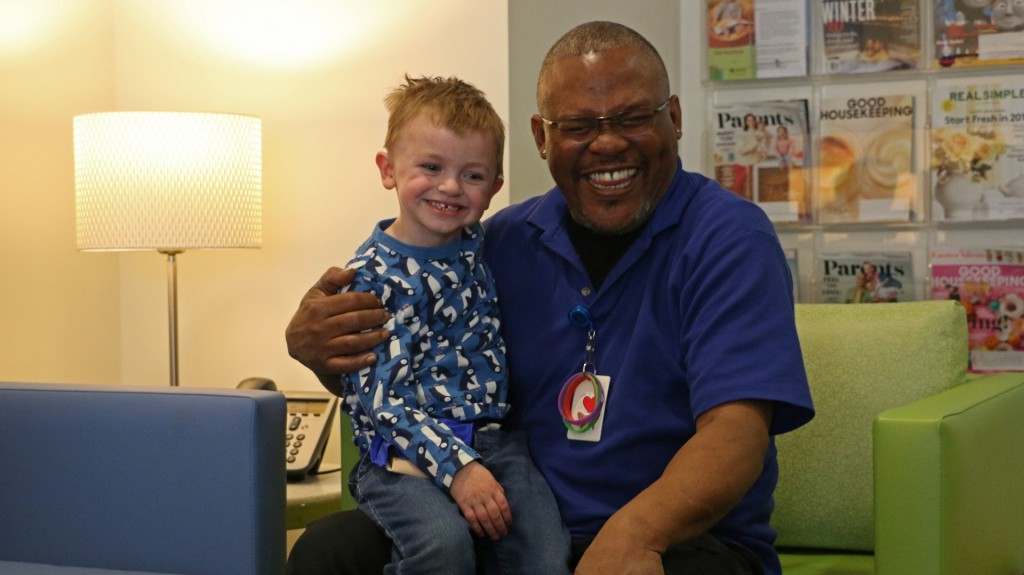 4-year-old becomes best friends with man who cleans his hospital room