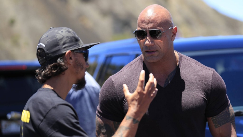 'The Rock' shows up to lend support to Hawaii protesters