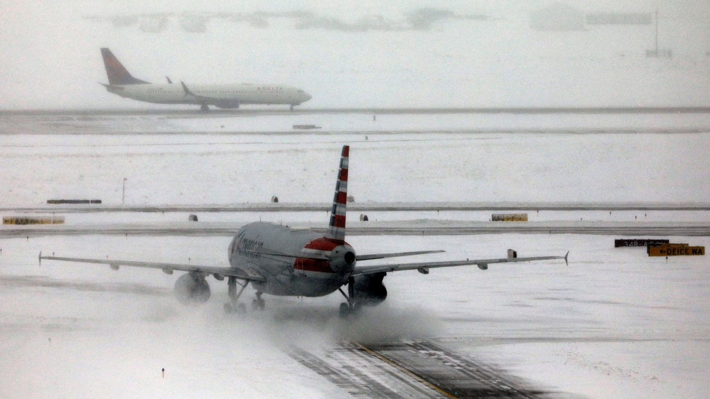 Storm leaves over 1,100 people stranded at Denver airport