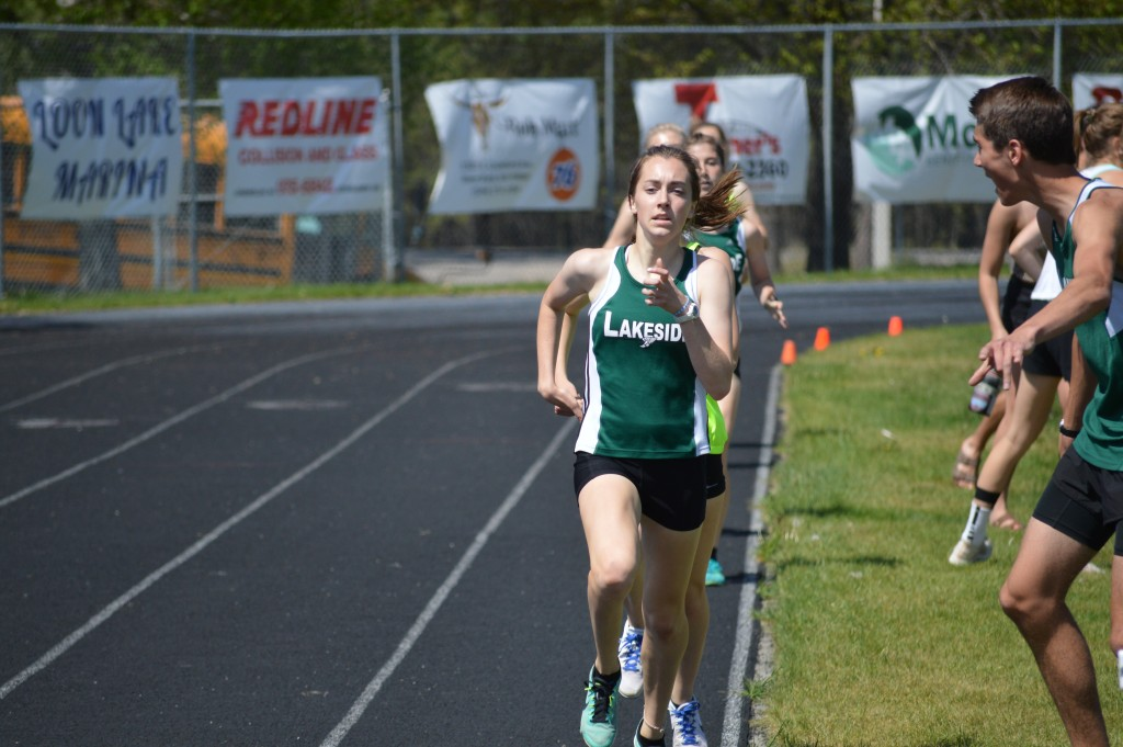 Madelyn District Finals 800m