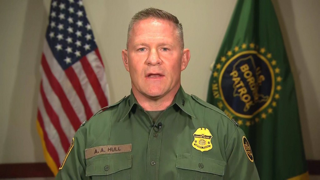 Chief Border Patrol agent in El Paso disputes reports about facilities