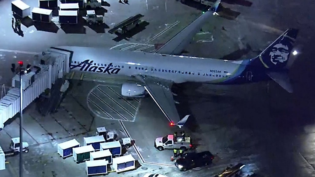 Alaska Airlines jet hits de-icing truck in Boston