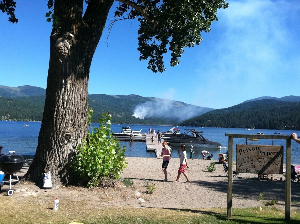 Brush fire burns more than 5 acres near Liberty Lake