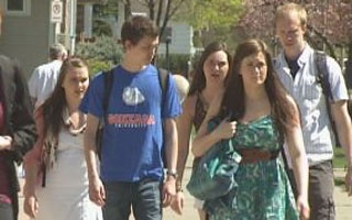 Graduating college students facing bleak job market